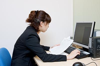 女性弁護士及び女性のスタッフが皆さまのプライバシーを厳守